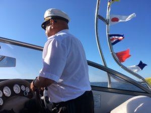 Rejsy pomorzu, łodzia motorową